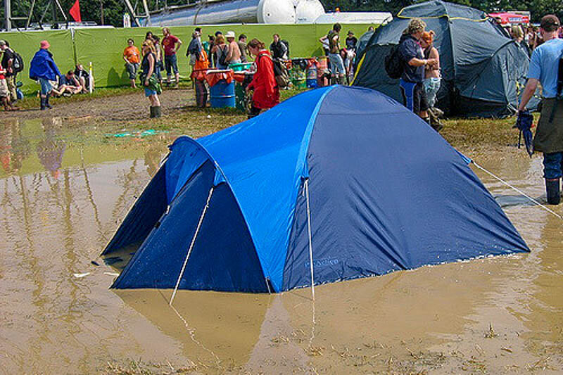 Waterproof Nylon Camping Tent Fail